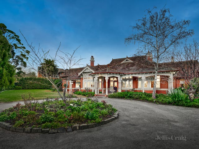 15 St Johns Avenue, Mont Albert, Vic 3127