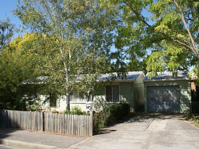 2 Tilbrook Avenue, Clare, SA 5453