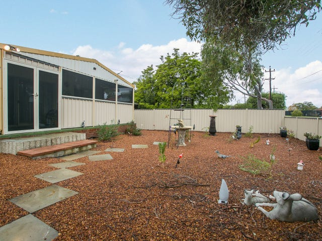 19 Altone Road, Lockridge, WA 6054