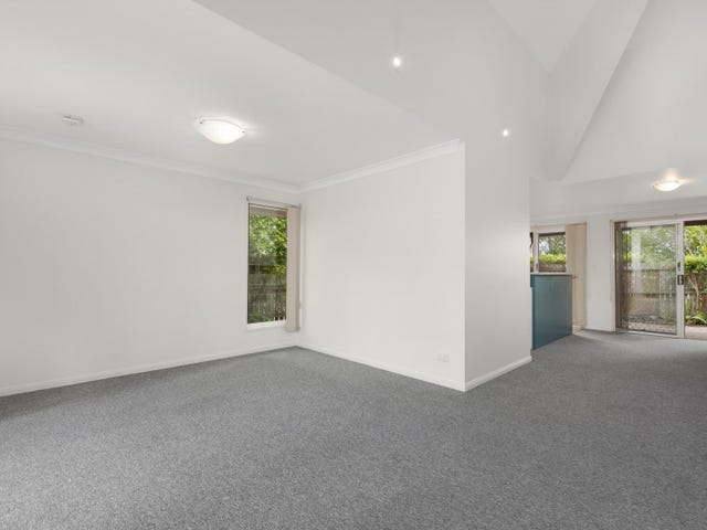 8/82 Russell Terrace, Indooroopilly, Qld 4068