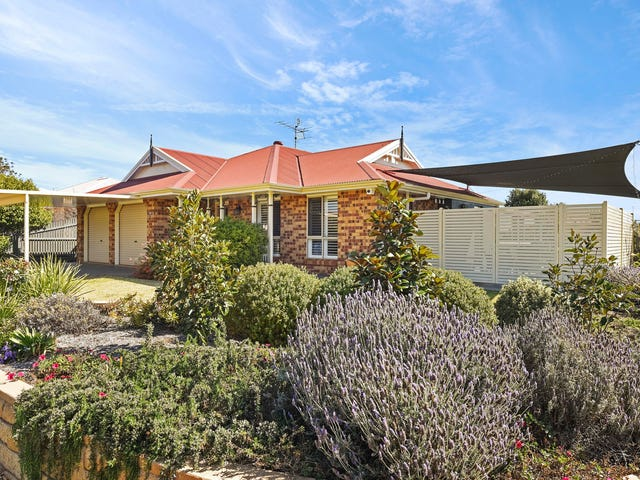 1 Winton Court, Middle Ridge, Qld 4350