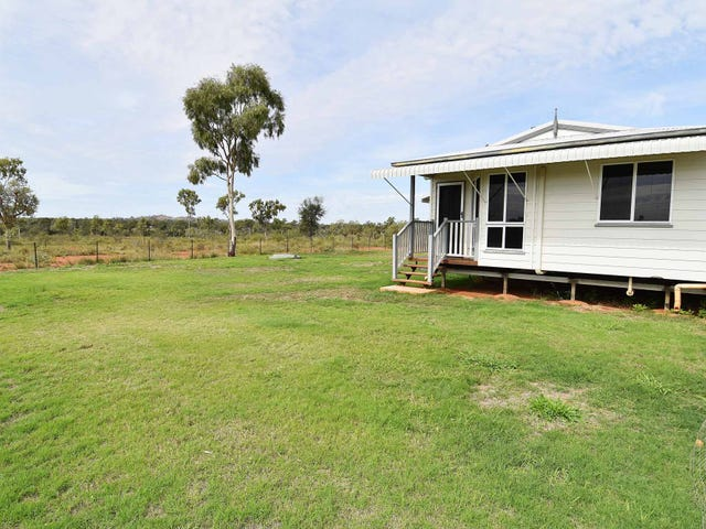 80 HOWEARTH ROAD, Southern Cross, Qld 4820