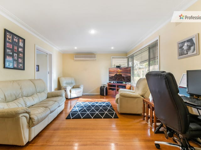 17 Rathmullen Road, Boronia, Vic 3155