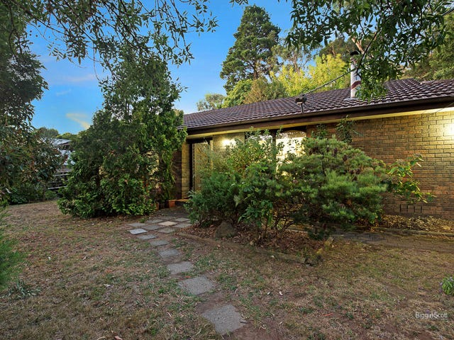 11 Railway Avenue, Upper Ferntree Gully, Vic 3156