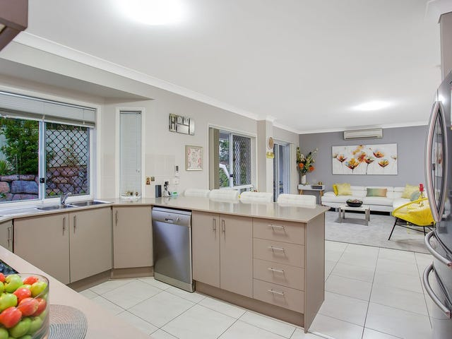 22 Ballah Crescent, Highland Park, Qld 4211