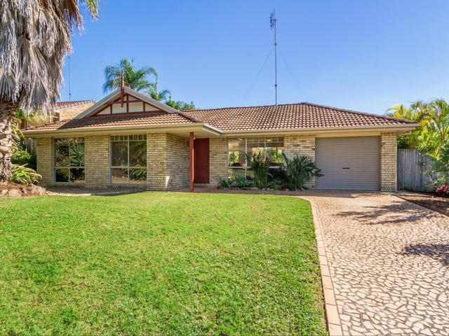 18 Pineneedle Court, Oxenford, Qld 4210