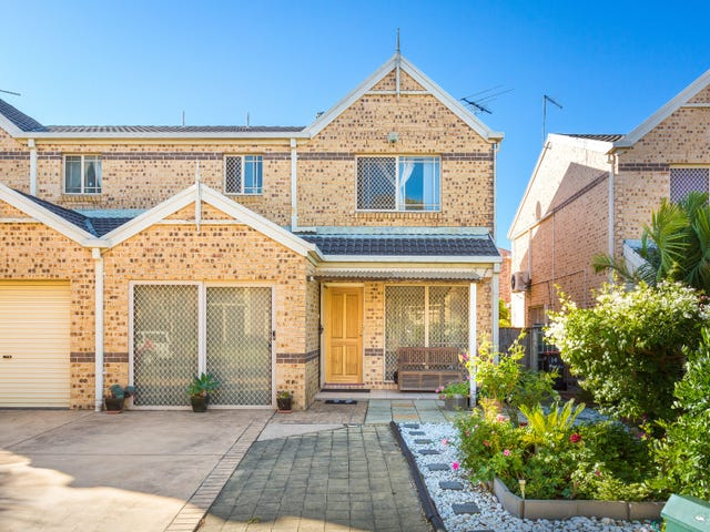 12 Melaleuca Grove, Greenacre, NSW 2190