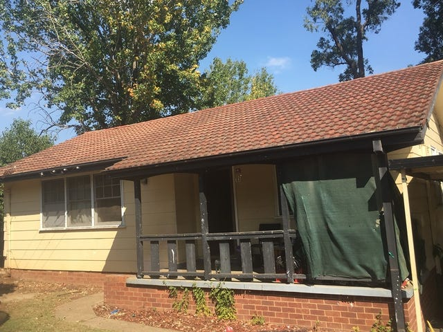 66 Lucena Crescent, Lethbridge Park, NSW 2770