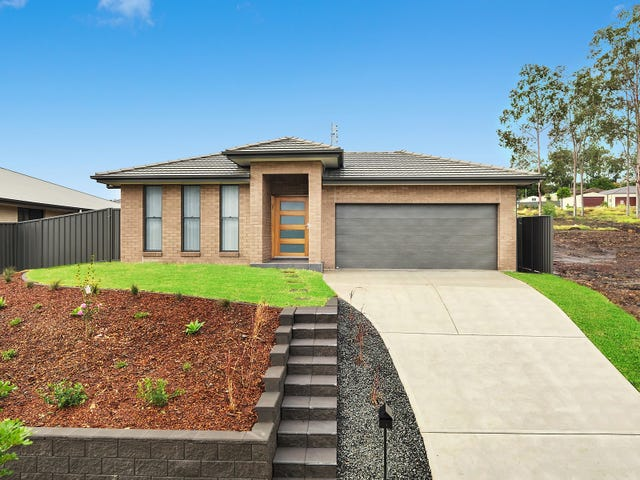 35 Grand Parade, Rutherford, NSW 2320