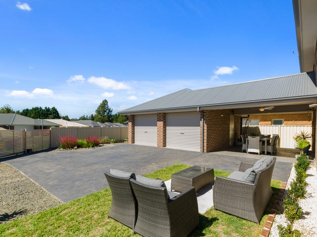 15 Mimosa Place, Braemar, NSW 2575