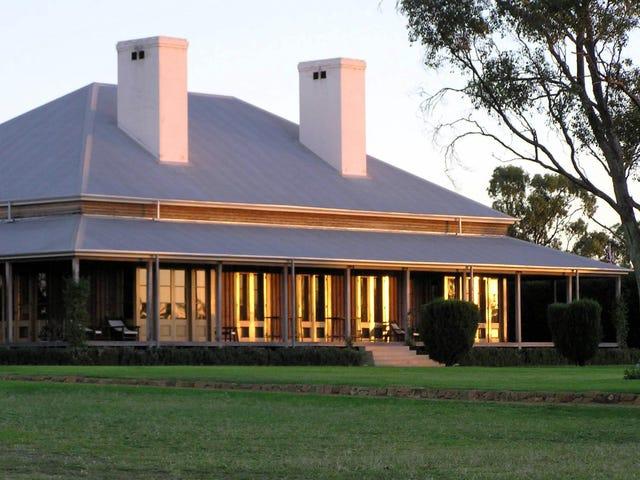 196 Burrawang West Road, Parkes, NSW 2870
