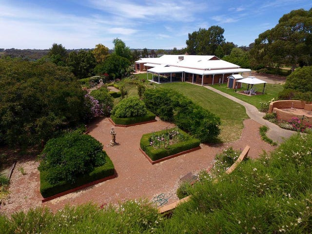 165 Willawong St, Young, NSW 2594