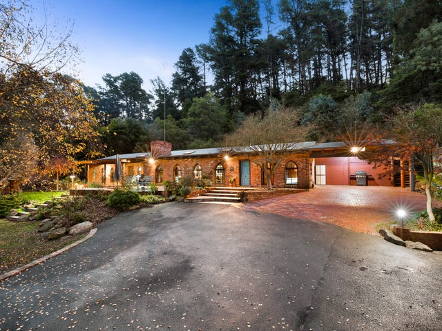9-11 Curry Road, Park Orchards, Vic 3114