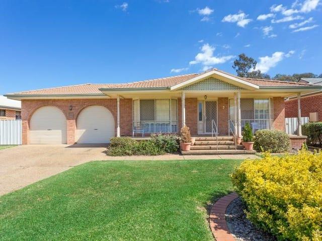 2 Cooba Place, Estella, NSW 2650