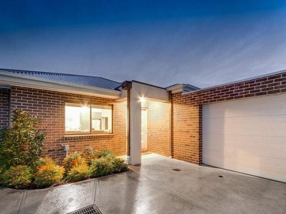 2/109 Golf Links Road, Berwick, Vic 3806