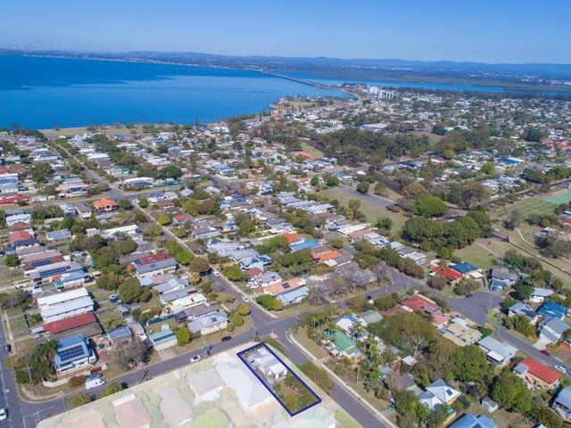 120 Arthur Street, Woody Point, Qld 4019