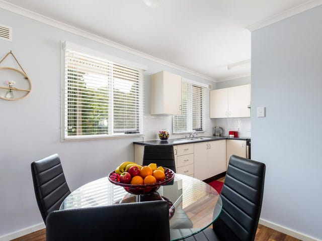 21 Middle Point Road, Bolton Point, NSW 2283