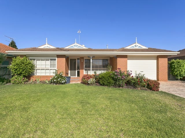 2 Hayes Court, Lovely Banks, Vic 3213