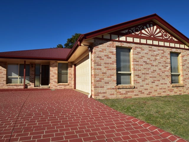 1/26 Sambar Court, Kearneys Spring, Qld 4350