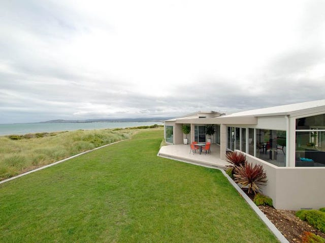 Dolphin Sands, address available on request