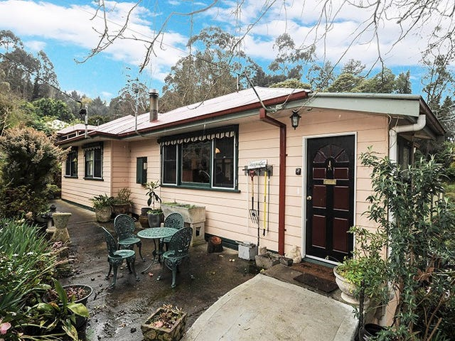 10 Upper Blackwood Avenue, Warburton, Vic 3799