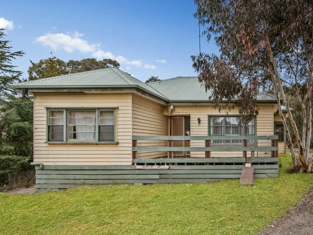 16 Bridge Street, Pyalong, Vic 3521