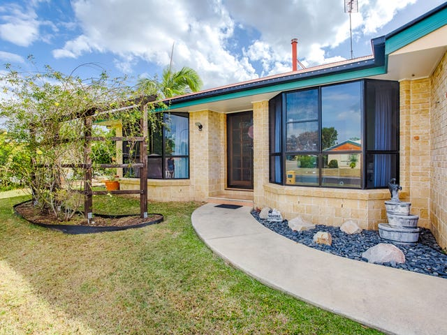 1 Castlereagh Court, Southside, Qld 4570