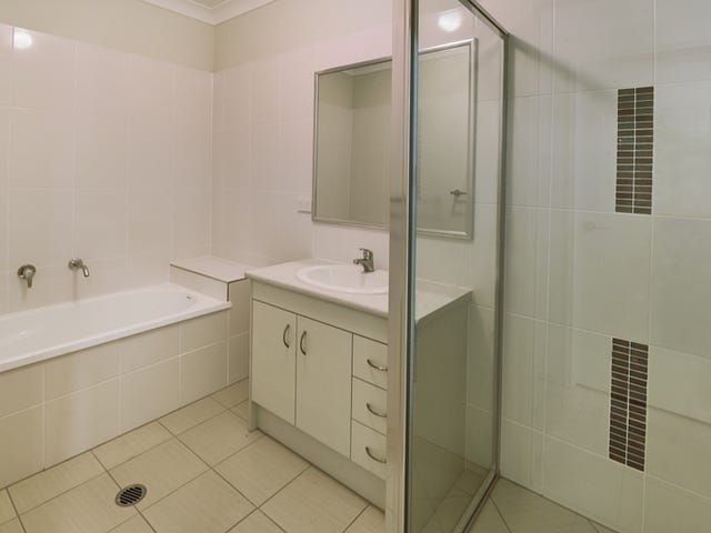 2/5 Esther Place, Nambour, Qld 4560
