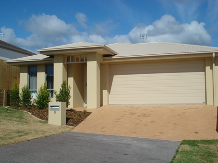 8 Robur Crescent Mountain Creek Qld 4557 & Real Estate \u0026 Property For Rent with 2 bedrooms in Alexandra ...