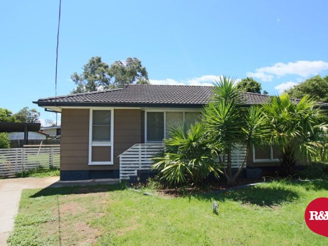 21 Samoa Place, Lethbridge Park, NSW 2770