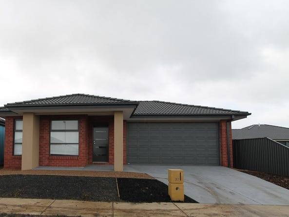 37 Daly Drive, Lucas, Vic 3350