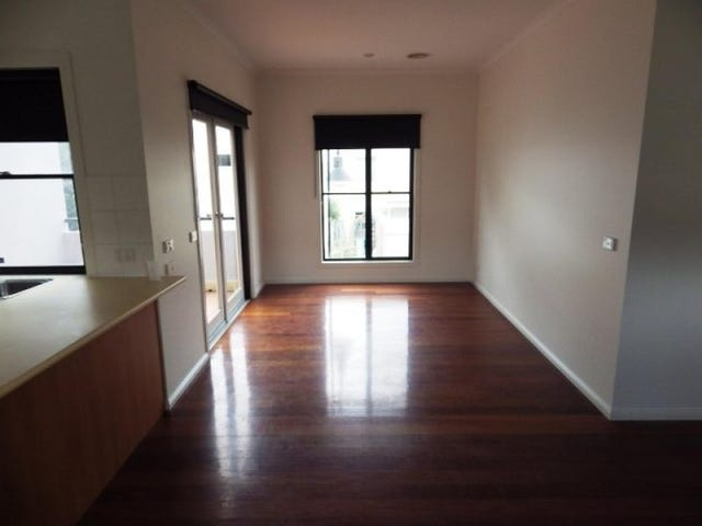 69 Rayner Lane, Kensington, Vic 3031