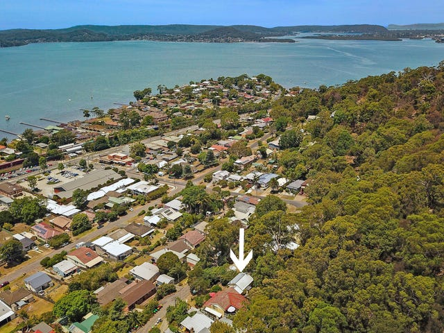 15 Hughes Street, Point Clare, NSW 2250
