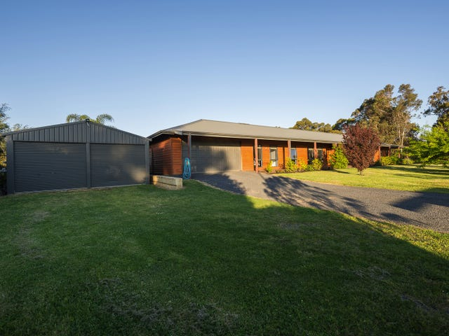 2 Kingia Close, Burekup, WA 6227