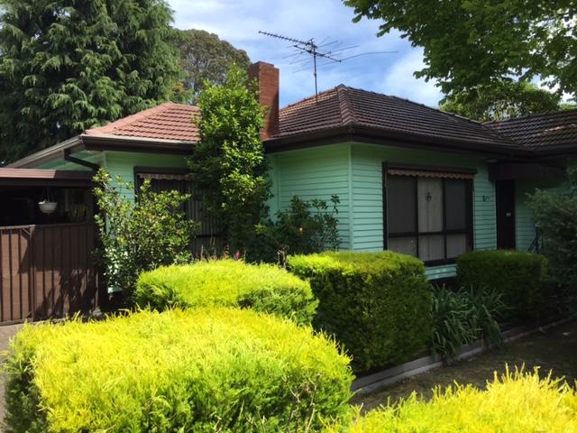 10 Seares Drive, Ringwood East, Vic 3135