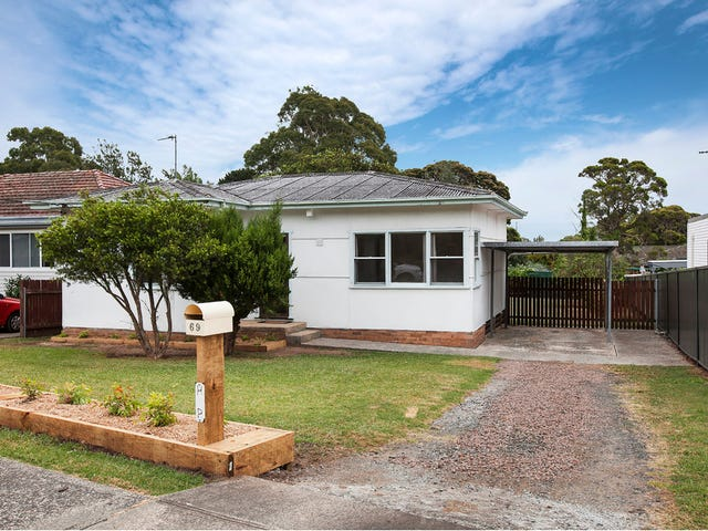 69 Lake Entrance Road, Oak Flats, NSW 2529