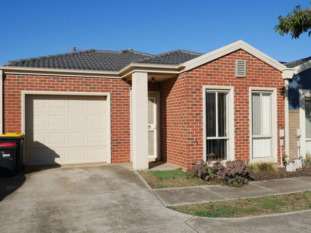11/17 Crestmont Drive, Melton South, Vic 3338