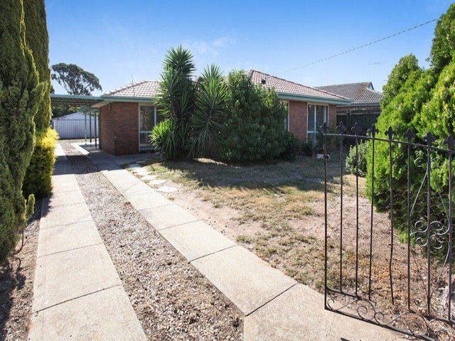 13 Clowes Street, Melton South, Vic 3338