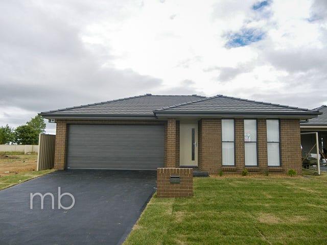 16 Onyx Place, Orange, NSW 2800