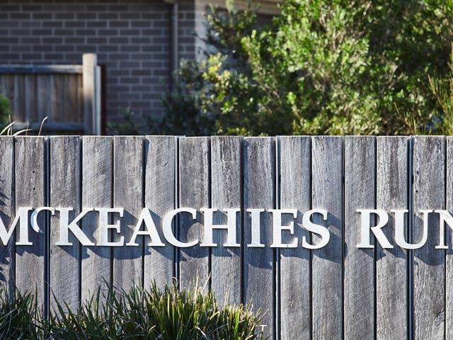 8 McKeachies Drive, Aberglasslyn, NSW 2320