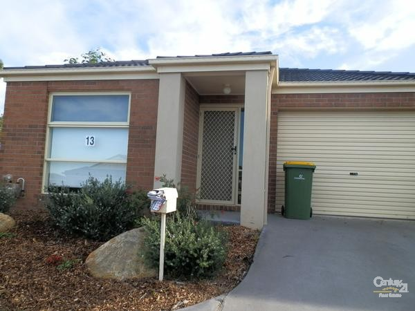 Unit 13/108 Ahern Road, Pakenham, Vic 3810
