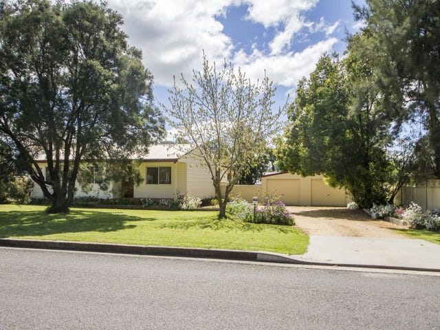 11 Walker Street, Cowra, NSW 2794