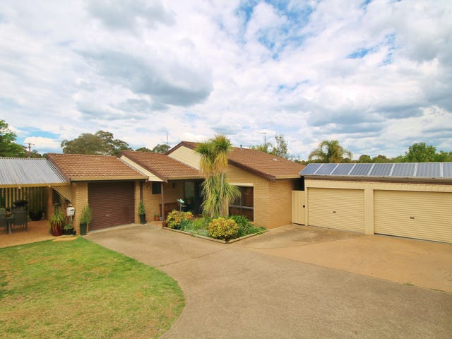4 Hardy Ave, Young, NSW 2594