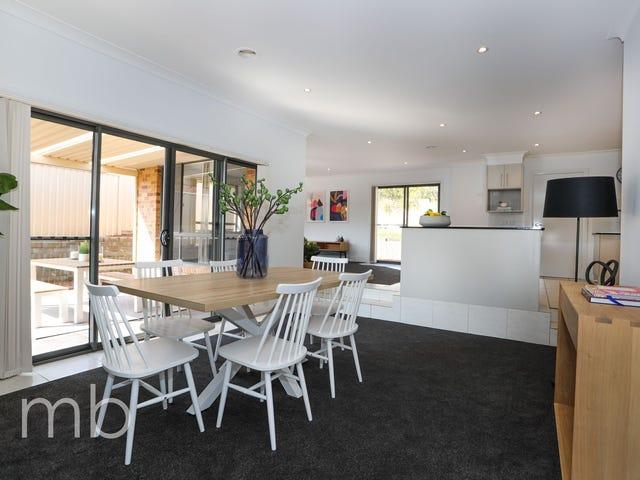 28 Bert Whiteley Place, Orange, NSW 2800