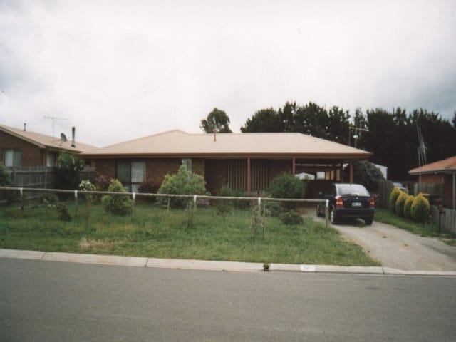 12 Barbara street, Woodend, Vic 3442