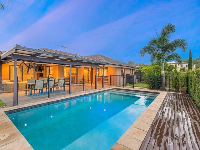2 Clearmount Crescent, Carindale, Qld 4152