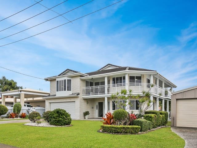 16 Coonowrin Street, Battery Hill, Qld 4551