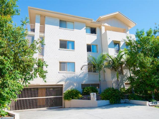 9/4 Sykes Crt, Southport, Qld 4215