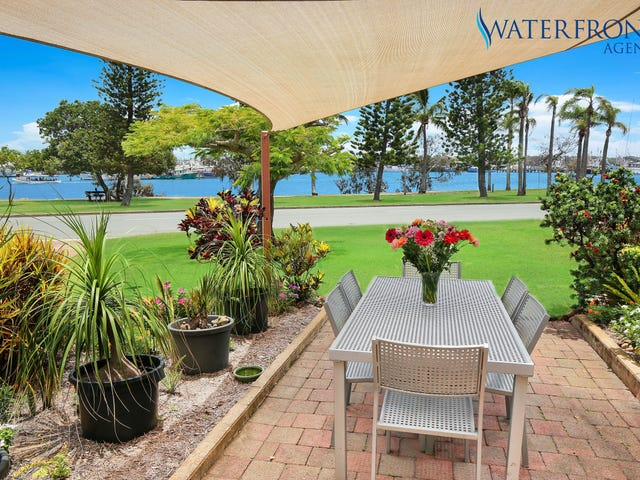 21 Harbour Parade, Buddina, Qld 4575