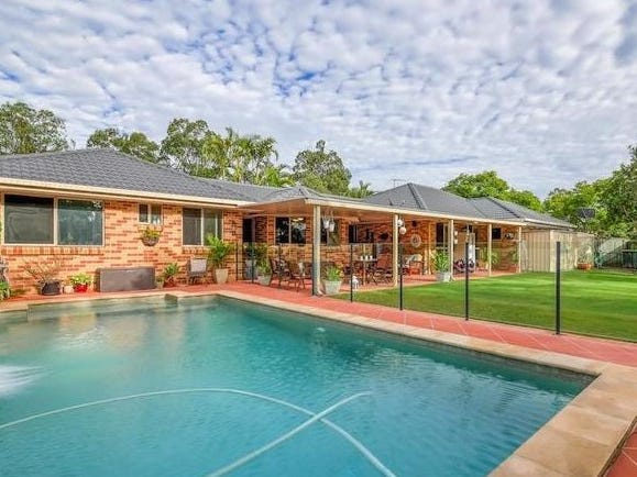 24 Prospect Crescent, Forest Lake, Qld 4078
